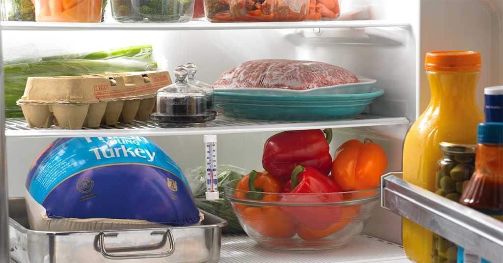 Idei pentru organizarea frigiderului în perioada sărbătorii de Paşti