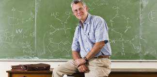 profesorul-preuniversitar-functionar-public