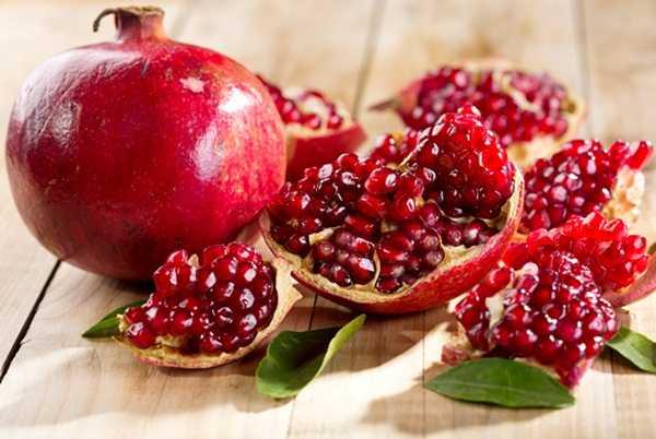 rodia-simbol-al-abundentei-bucatarie-moderna-fruct