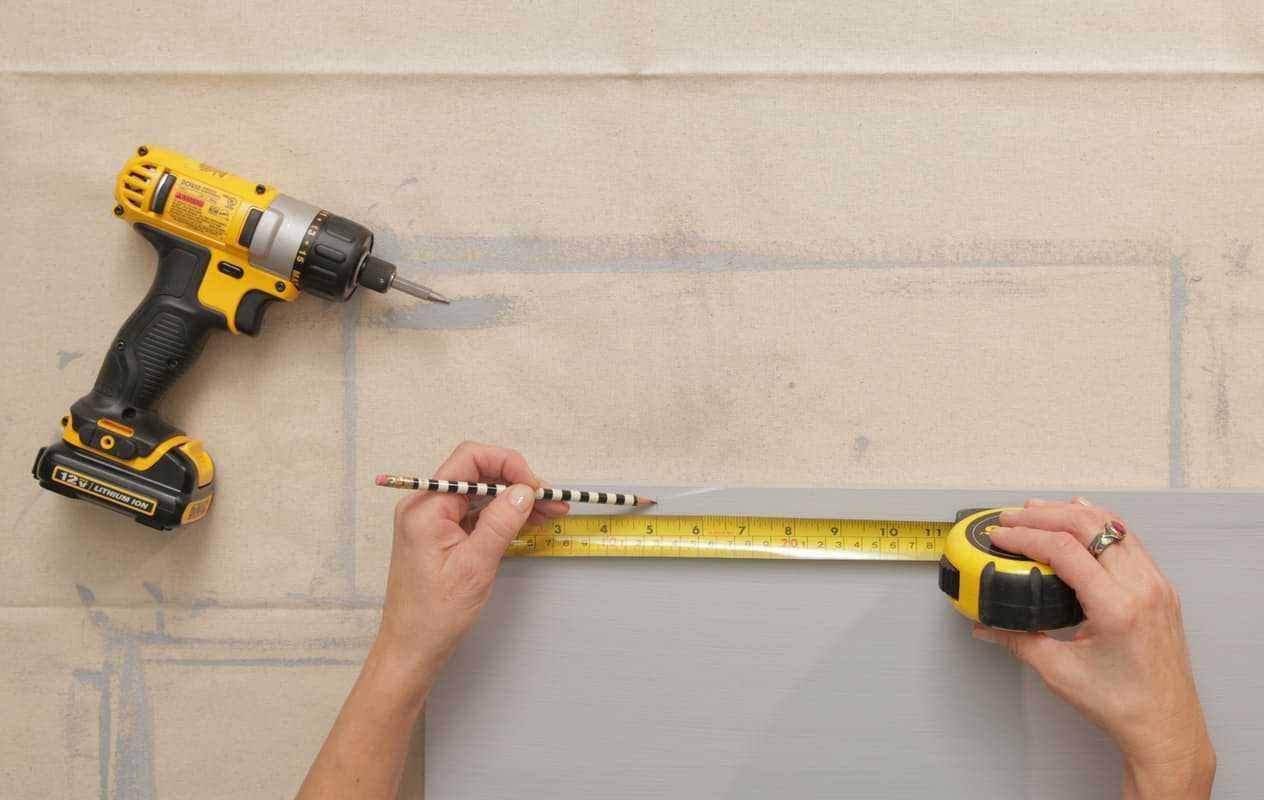 Cum să faci ghivece din căni de cafea şi să le agăţi pe perete