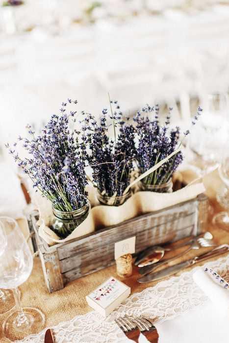 10 aranjamente florale de primăvară pentru masa din bucătărie