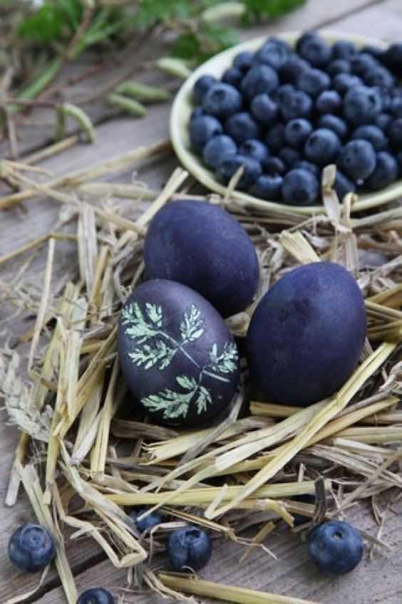 Metoda naturală pentru vopsit ouăle de Paști, fără chimicale