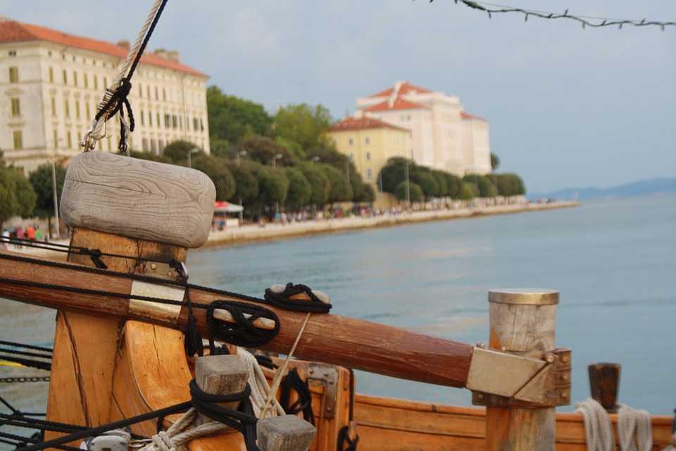 Vara asta zbori direct spre staţiunile de la Marea Adriatică