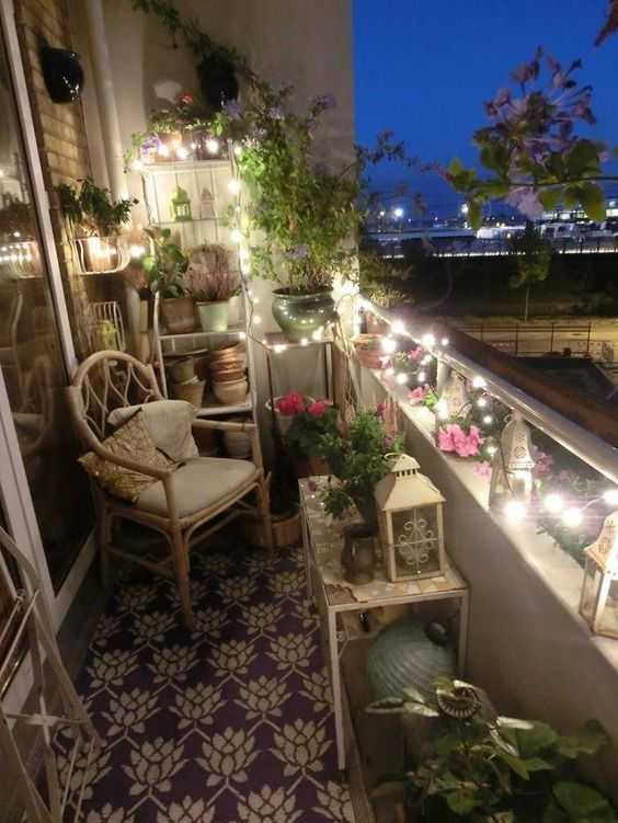 Transformă balconul într-o oază cu ajutorul ghirlandelor luminoase