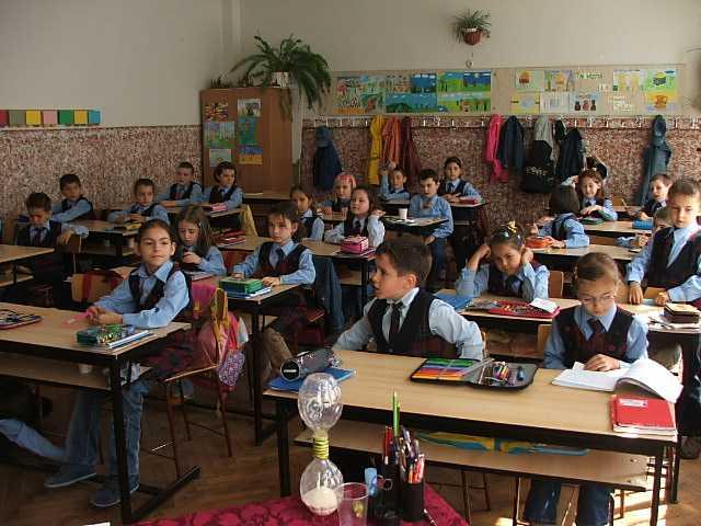 elevii-la-scoala