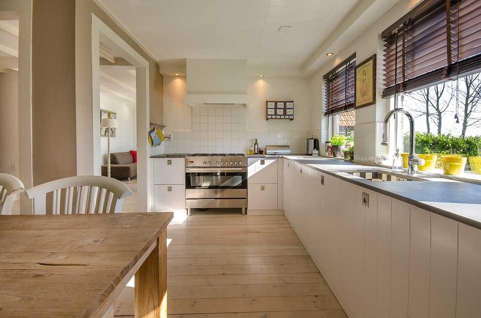 Ce fel de locuințe caută românii. Tu ce preferi: apartament sau casă?