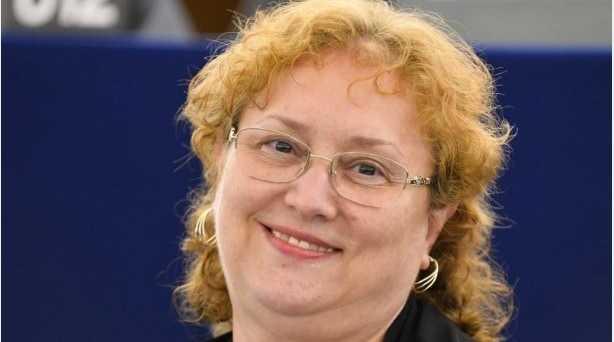 UPDATE: Renate Weber a fost demisă din funcția de Avocat al Poporului