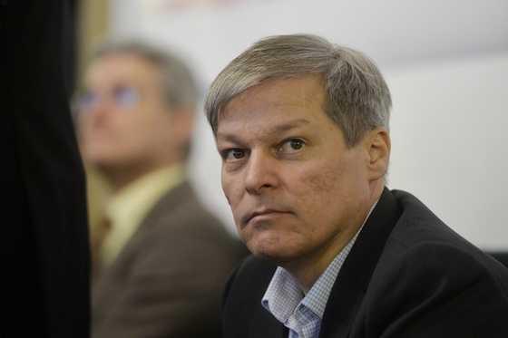 USR și Cioloș au gata un Guvern care ar putea pune capăt pandemiei