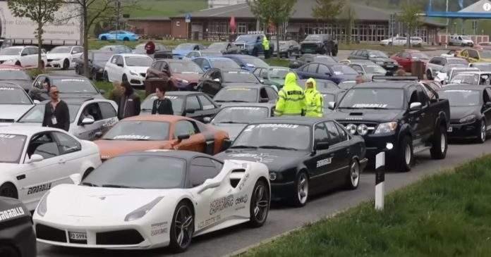 Poliţia germană a confiscat 120 de mașini sport