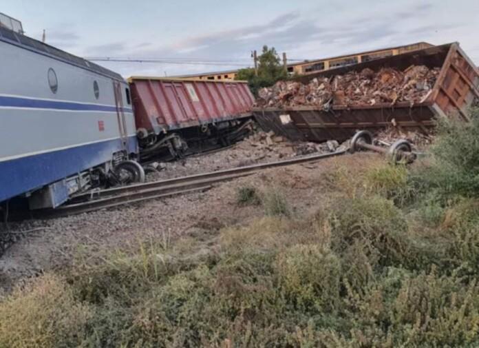trenuri accident fetesti